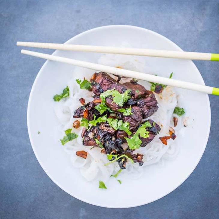 paleo asian garlic beef noodles