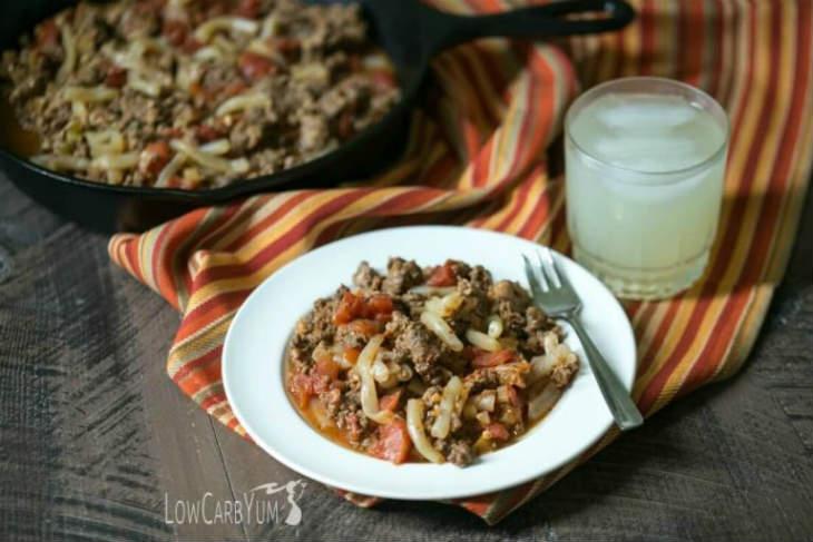sausage goulash with low carb pasta