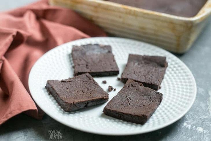 20 Blissful Keto Brownie Recipes
