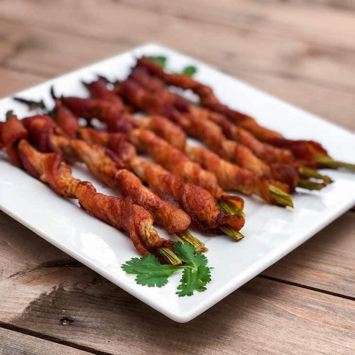 Keto Bacon Wrapped Asparagus Recipe #keto https://ketosummit.com/keto-bacon-wrapped-asparagus-recipe
