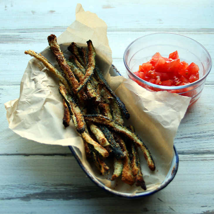 Spicy Seasoned Keto Zucchini Fries Recipe #keto https://ketosummit.com/spicy-seasoned-keto-zucchini-fries