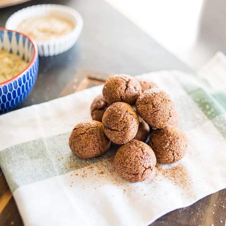 Keto Cinnamon Donut Holes Recipe #keto https://ketosummit.com/keto-cinnamon-donut-holes-recipe