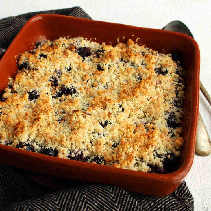 Keto Blueberry Coconut Crumble Recipe #keto https://ketosummit.com/keto-blueberry-coconut-crumble