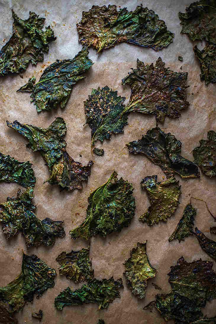 Yummy kale keto chips