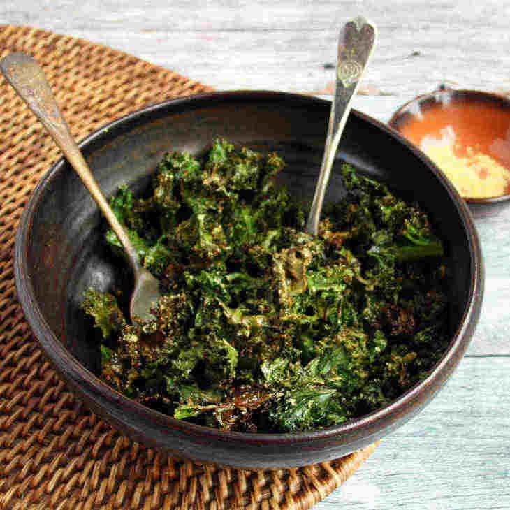 Keto Cheesy Kale Chips Recipe [Dairy-Free]