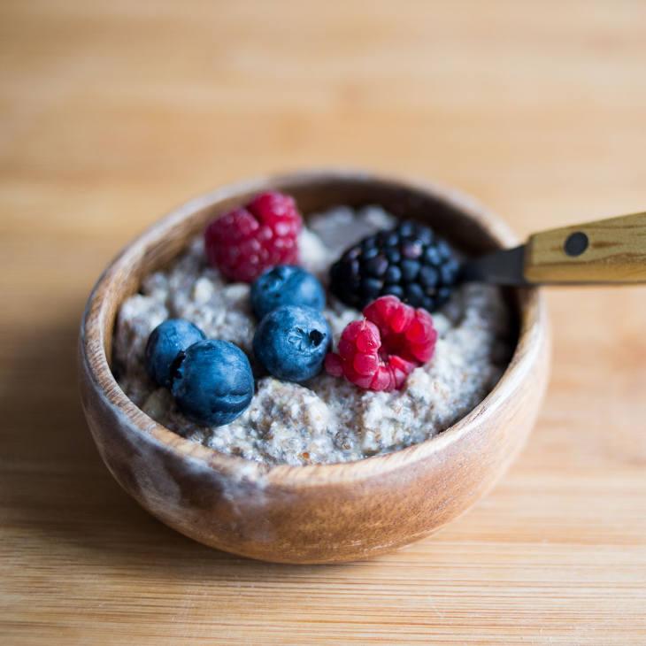 Quick Keto Oatmeal Recipe #keto https://ketosummit.com/quick-keto-oatmeal-recipe