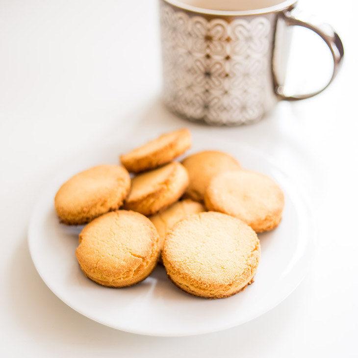 Keto Ginger Coconut Cookies