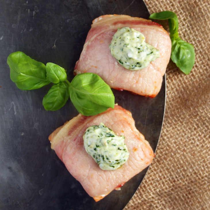 Quick Keto Bacon-Wrapped Salmon Recipe #keto https://ketosummit.com/quick-keto-bacon-wrapped-salmon-recipe