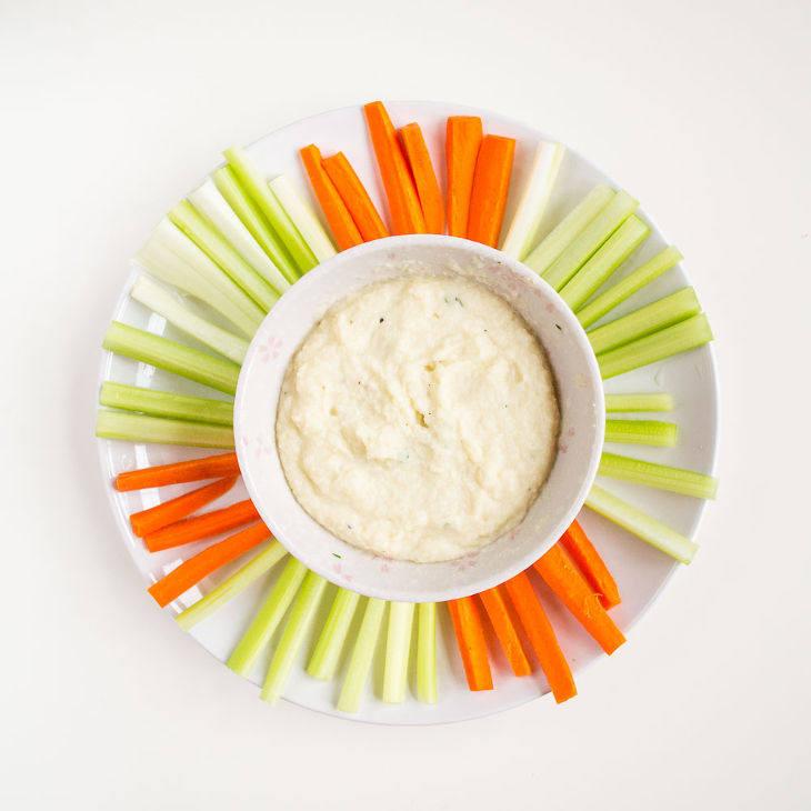Keto Hummus Recipe with Cauliflower and Tahini