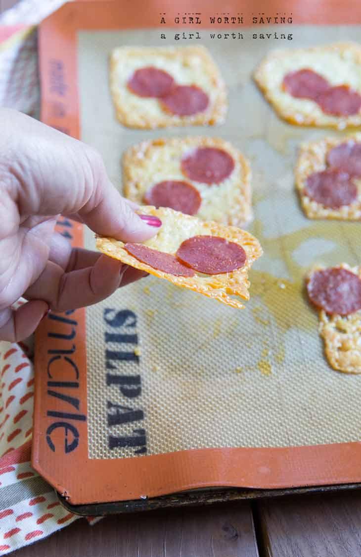 Easy pizza keto crackers