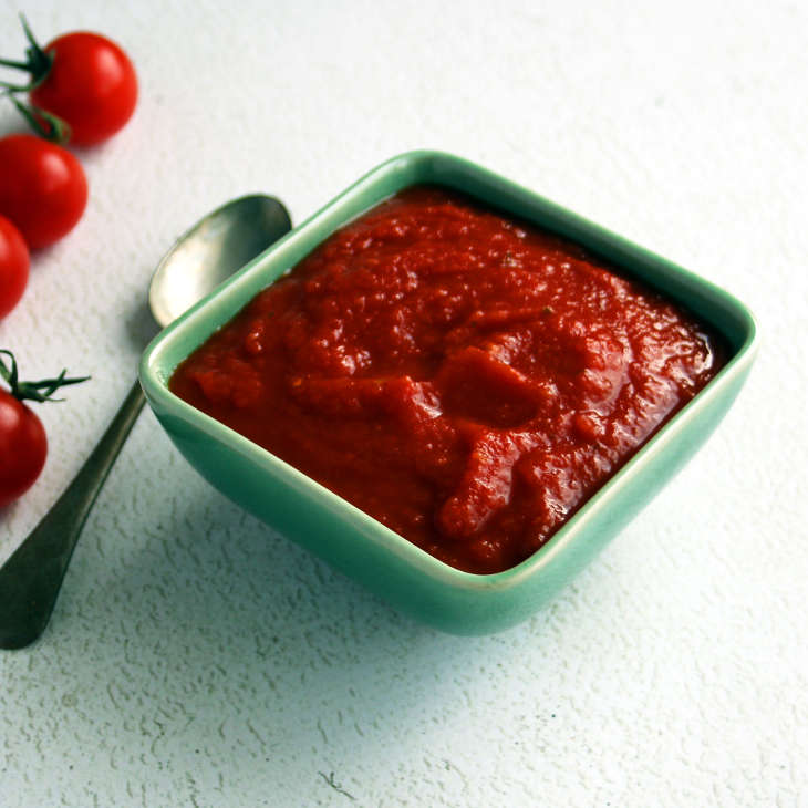 Easy Keto Tomato Ketchup Recipe #keto https://ketosummit.com/easy-keto-tomato-ketchup-recipe