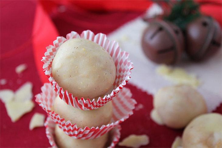 Almond Butter Pumpkin Pie Truffles