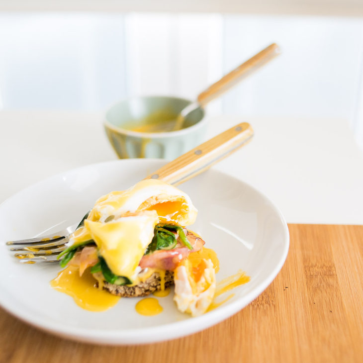 Classic Keto Eggs Benedict Recipe #keto https://ketosummit.com/classic-keto-eggs-benedict-recipe