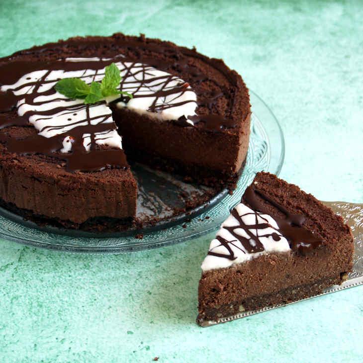 Dairy-Free Keto Chocolate Cheesecake Recipe #keto https://ketosummit.com/dairy-free-keto-chocolate-cheesecake-recipe