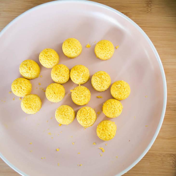 Keto Turmeric Coconut Snack Balls Recipe #keto https://ketosummit.com/keto-turmeric-coconut-snack-balls-recipe