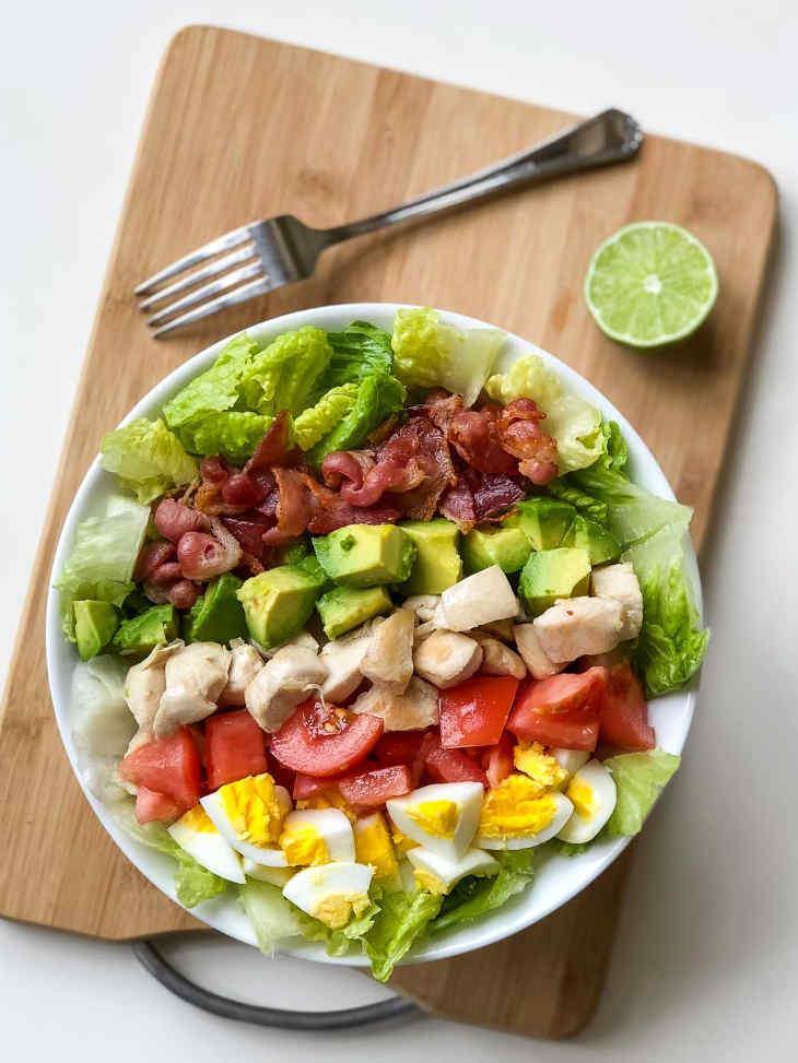 Keto Chicken Cobb Salad Recipe #keto https://ketosummit.com/keto-chicken-cobb-salad-recipe