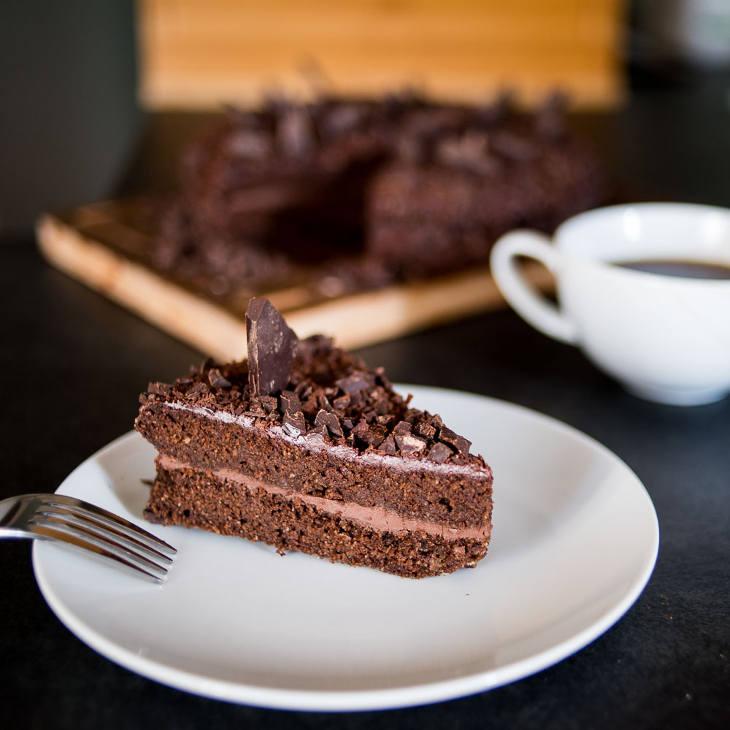 Layered Keto Chocolate Cake #keto https://ketosummit.com/layered-keto-chocolate-cake