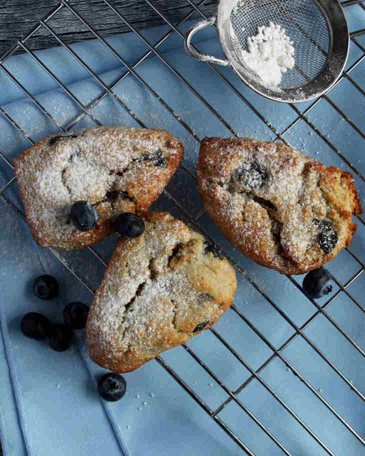 Keto Blueberry Scones Recipe #keto https://ketosummit.com/keto-blueberry-scones-recipe