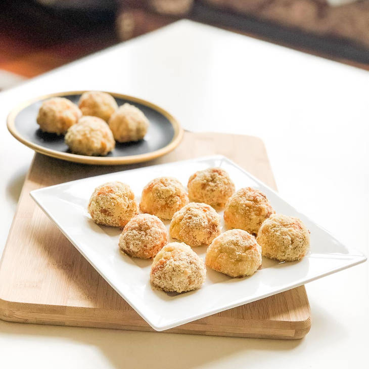 Keto Golden Chicken Bacon Fritter Balls Recipe #keto https://ketosummit.com/chicken-bacon-fritter-balls-recipe