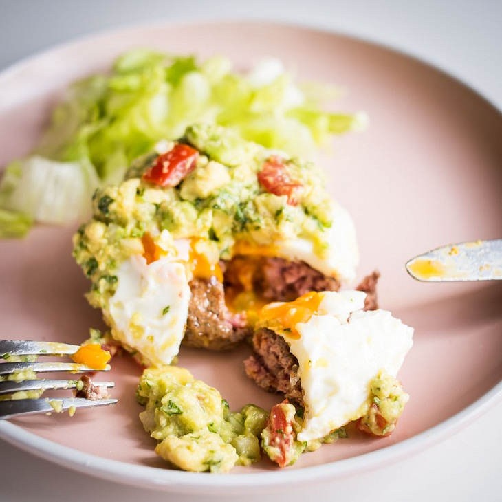 Keto Guacamole Burgers #keto https://ketosummit.com/keto-guacamole-burgers