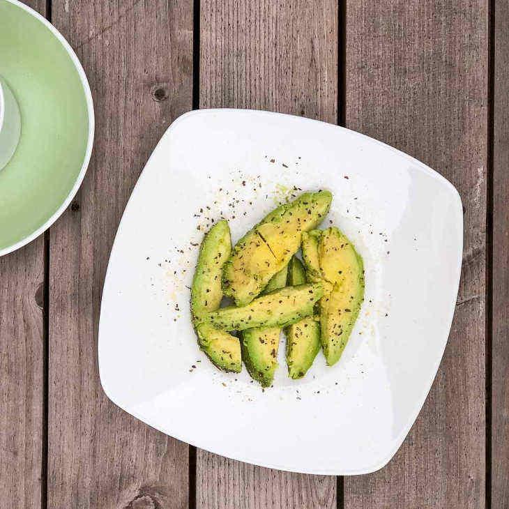 """Keto """"Everything"""" Avocado Breakfast"""