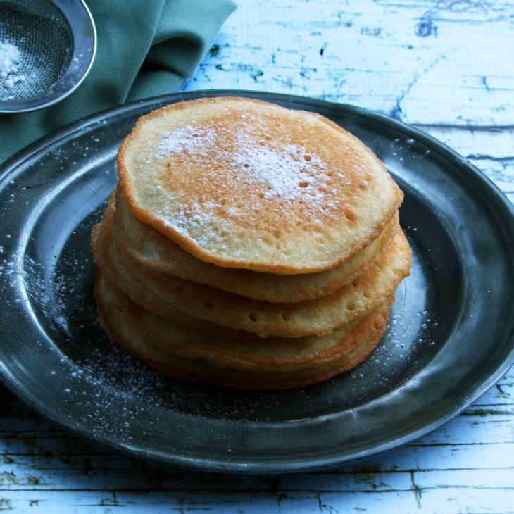Keto Four-Ingredient Pancake with Almond Flour