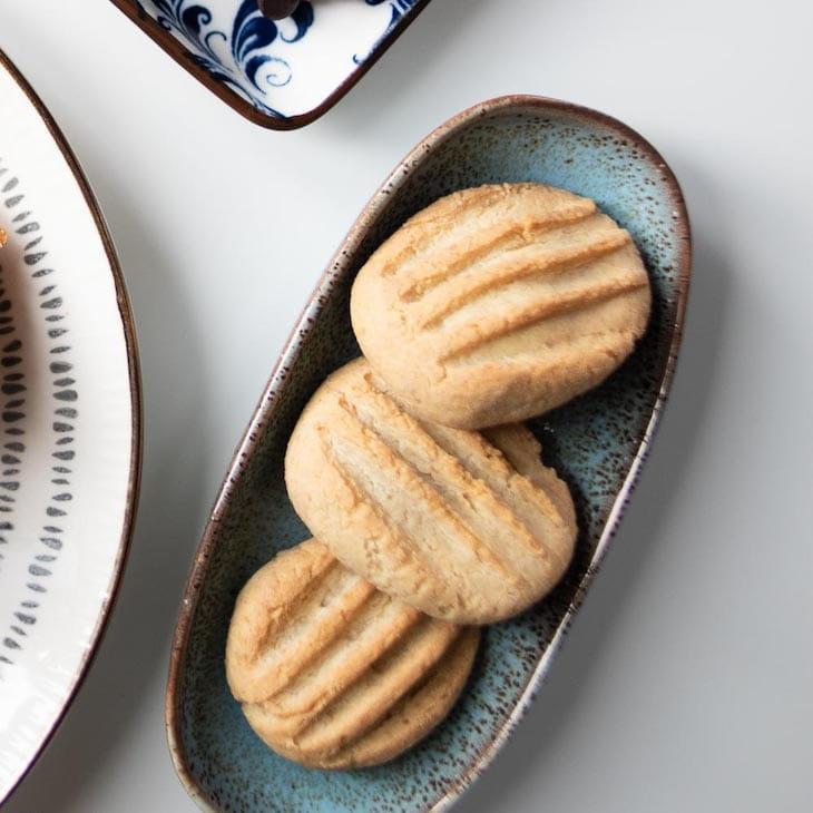 Keto Madeleine Cookies #keto https://ketosummit.com/keto-madeleine-cookies