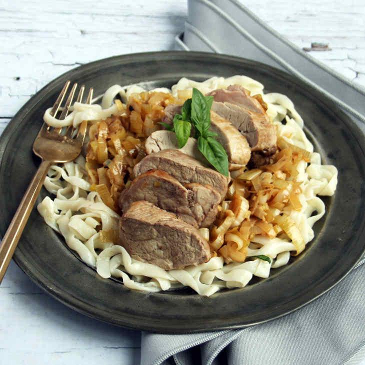 Keto Basil Pork Fettucine Recipe #keto https://ketosummit.com/keto-basil-pork-fettucine-recipe