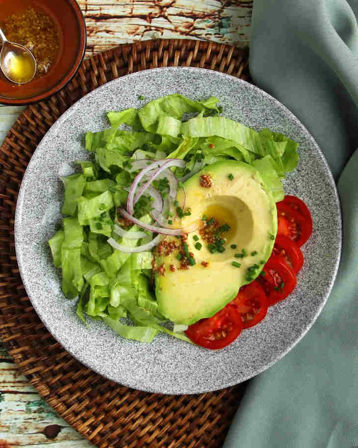 Keto Avocado Salad Recipe #keto https://ketosummit.com/keto-avocado-salad-recipe