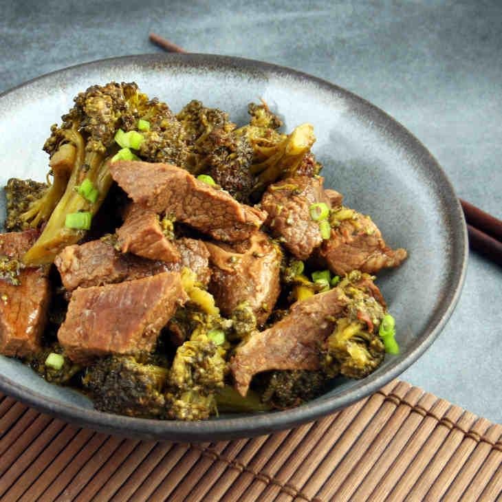 Keto Pressure Cooker Beef and Broccoli Recipe #keto https://ketosummit.com/keto-pressure-cooker-beef-broccoli-recipe