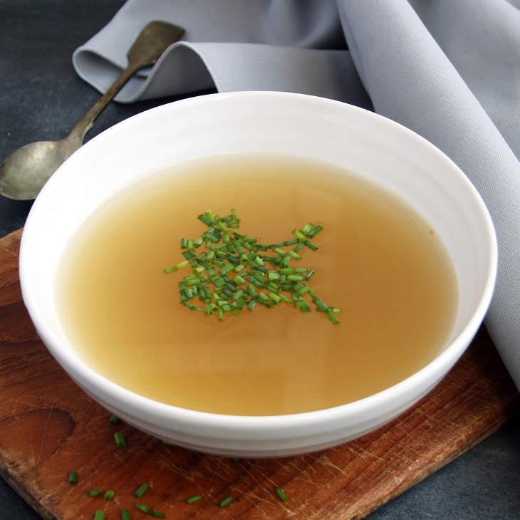 Keto Fish Bone Broth Recipe #keto https://ketosummit.com/keto-fish-bone-broth-recipe