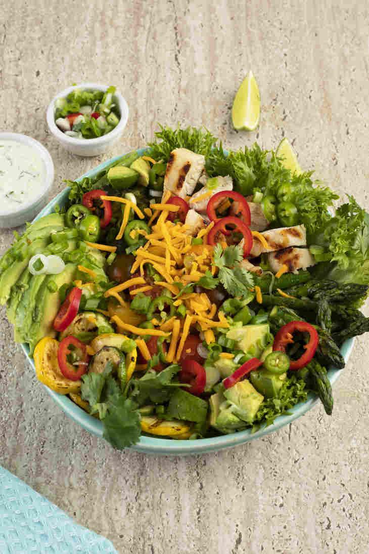 https://ketosummit.com/keto-southwest-chicken-salad-recipe