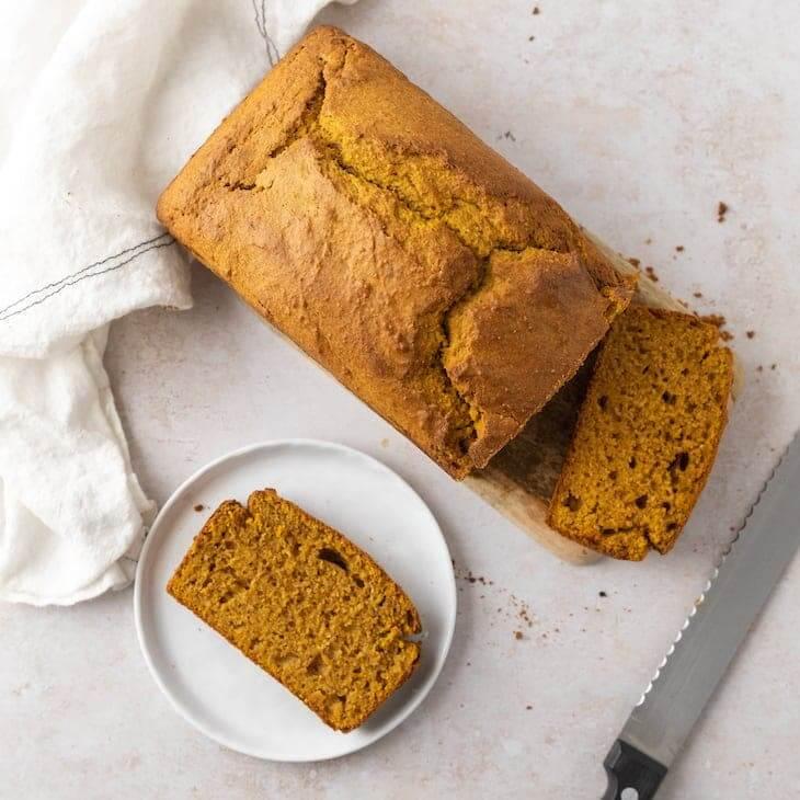 Keto Pumpkin Spice Loaf Recipe #keto #recipe https://ketosummit.com/keto-pumpkin-spice-loaf-recipe